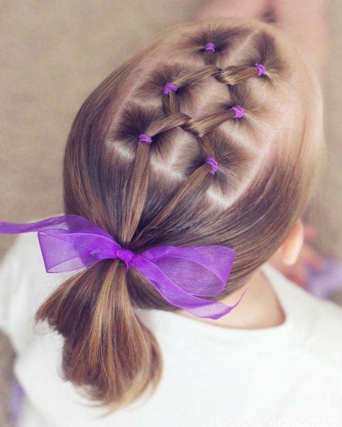 Прически для девочек: прививаем вкус с детства - Особенности работы сдетскими волосами